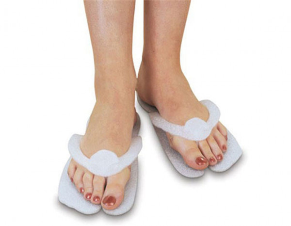 Beauty Essentials disposable slippers (25 pairs)